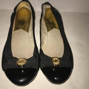02535c40b8dc Women s Michael Kors Black Flat Sandals on Poshmark